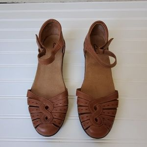 Clark's Strappy Sandal Brown Leather Low Wedge